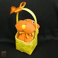 Piesek pomarańczowy w koszyczku, z ręcznika 30/50