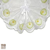 Bawarka żakardowa szer 65 cm/120 cm wys  biała z zielonymi kwiatkami