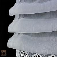 Roleta rzymska szer 100 cm/wys 95 cm woal biel z ozdobną gipiurą na listwie z tafty
